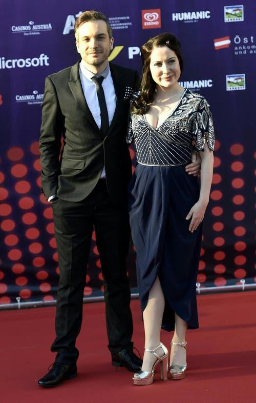 Alex Larke und Bianca Nicolas von der Band 'Electro Velvet', Grossbritannien. (Bild: Keystone)