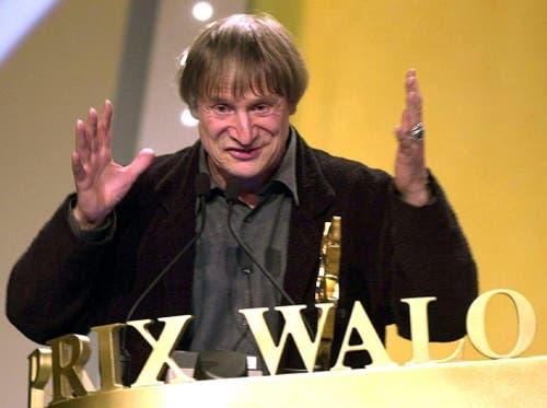 Der Clown aus Ascona gewinnt fuer sein Lebenswerk den Ehren-Prix Walo im Februar 2001. (Bild: Keystone / Walter Bieri)