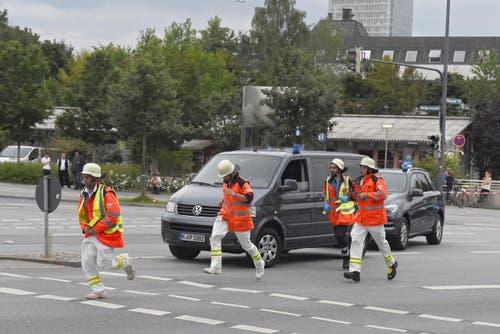 Die Polizei war mit einem Grossaufgebot vor Ort gewesen, nachdem Panik ausgebrochen war. (Bild: Keystone/Felix Hörhager)