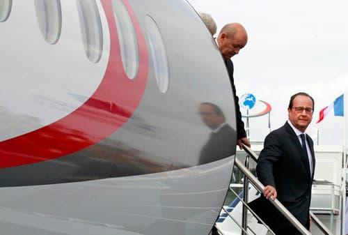 Frankreichs Präsident Francois Hollande während der 51. International Paris Air Show am Flugplatz Le Bourget. (Bild: REMY DE LA MAUVINIERE / POOL)