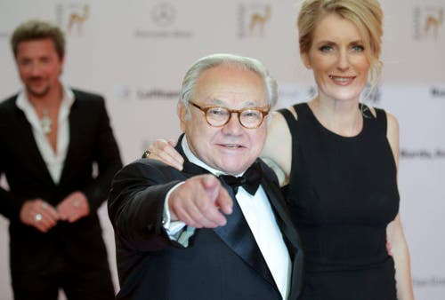 Verleger Hubert Burda mit seiner Ehefrau Maria Furtwängler am 14. November 2013 an der Bambi-Verleihung in Berlin. (Bild: Keystone)