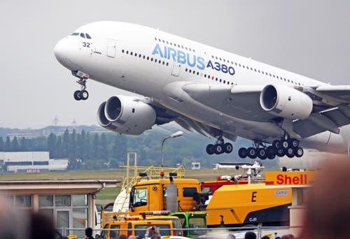 Ein Airbus A380 hebt ab. (Bild: Remy de la Mauviniere)