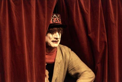 Clown Dimitri bei seinem Auftritt am 15. Oktober 1998 in seinem Theater in Verscio im Kanton Tessin. (Bild: Keystone / Karl Mathis)