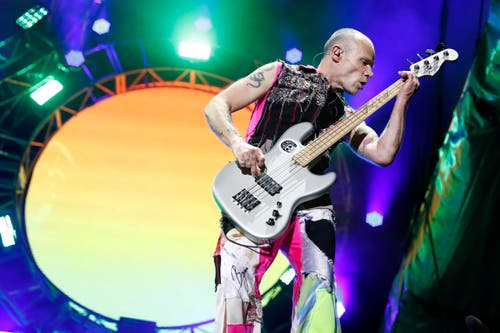 Michael 'Flea' Balzary, Bassist von Red Hot Chili Peppers. (Bild: Keystone / Peter Klaunzer)