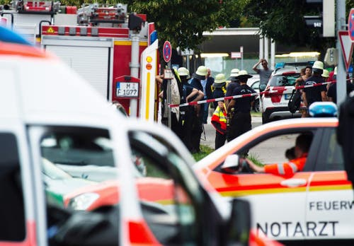 Die Polizei war mit einem Grossaufgebot vor Ort gewesen, nachdem Panik ausgebrochen war. (Bild: Keystone/Matthias Balk)