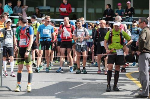 Der Start des Marathons auf der Melchsee-Frutt. (Bild: Roger Zbinden (Neue LZ))