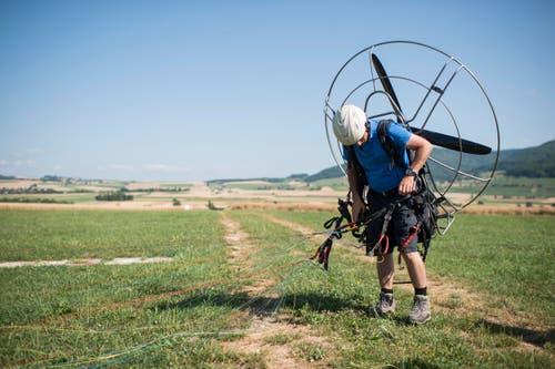 Ein Mann demonstriert sein Trike. (Bild: Keystone / ENNIO LEANZA)