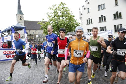 Die Bergläufer in Aktion. (Bild: Patrick Hürlimann (Neue Zuger Zeitung))