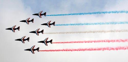 Die Patrouille de France in Aktion. (Bild: REMY DE LA MAUVINIERE / POOL)