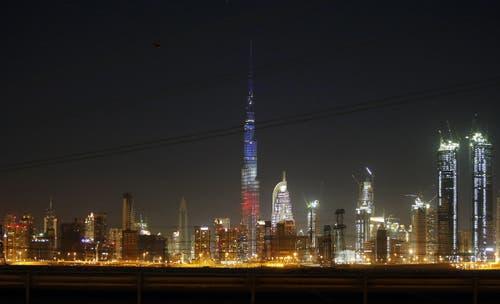 Der Wolkenkratzer Burj Khalifa in Dubai. (Bild: EPA/ALI HAIDER)