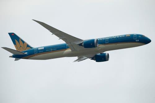Nochmals der Boeing 787 Dreamliner der Vietnam Airlines bei seinem Demonstrationsflug. (Bild: Francois Mori)