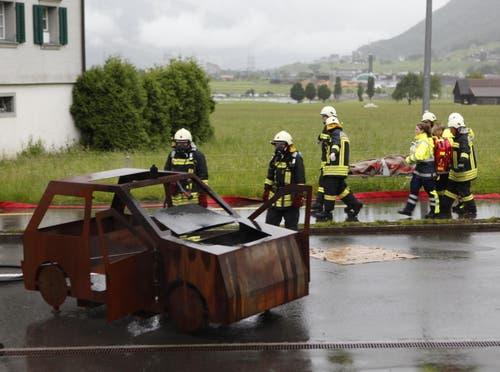 Gemeinsame Rettungsübung der Schwyzer Einsatzkräfte in Ibach. (Bild: Geri Holdener, Bote der Urschweiz)