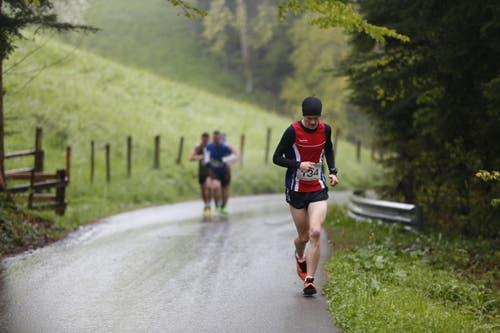 Der Sieger des Zugerberg Classic 2016: Julian Hodel aus Oberwil (rechts). (Bild: Patrick Hürlimann (Neue Zuger Zeitung))