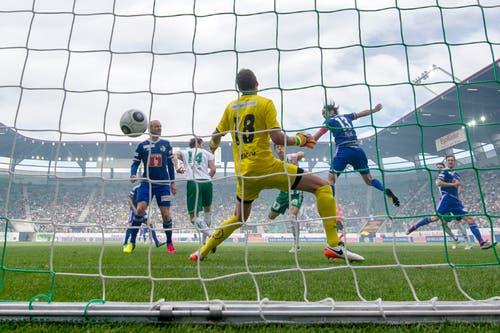 """22. Mai 2016, FCSG - Luzern 1:4: """"Freibad-Fussball! Ein bisschen hinten rum ist gespielt worden anstatt entschlossen nach vorne. Und wir haben zu wenig Herzblut gezeigt, waren zu wenig aggressiv."""" (Bild: Urs Bucher)"""