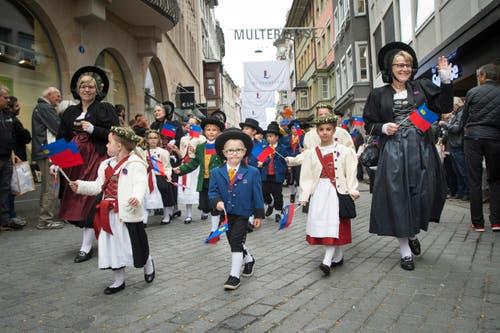 """Der Olmaumzug 2016 mit """"Gastkanton"""" Liechtenstein. (Bild: Ralph Ribi)"""