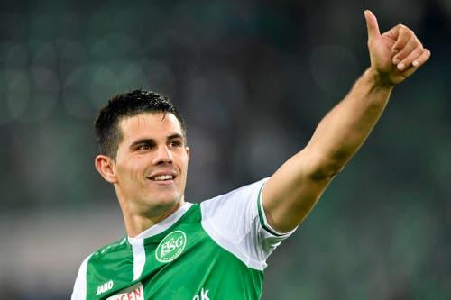 Daumen hoch: Danijel Aleksic erzielt das 2:0 für St.Gallen. (Bild: Keystone)