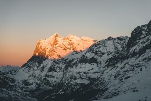 Gipfelglühen im Berner Oberland. (Bild: PD / Silvan Widmer)
