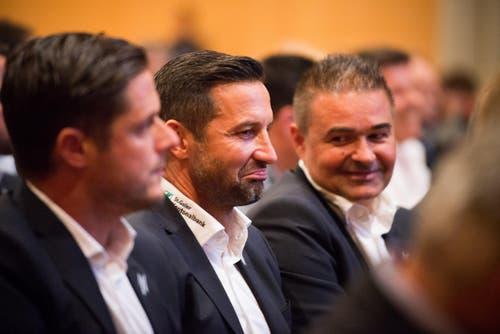 Assistenztrainer Daniel Tarrone, Trainer Joe Zinnbauer und Sportchef Christian Stübi (v.l.). (Bild: Samuel Schalch)