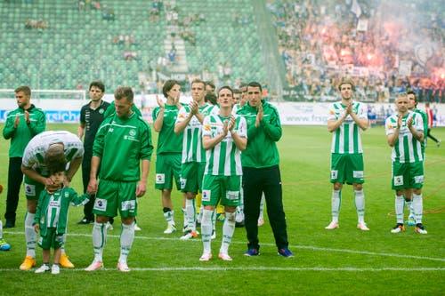 Nach dem Ligaerhalt könnten die St.Galler am 22. Mai 2016 befreit aufspielen gegen den FC Luzern. Sie gehen daheim 1:4 unter und verärgern ihre Anhänger ein weiteres Mal. (Bild: Urs Bucher)