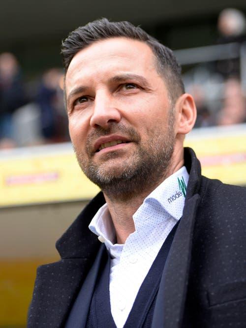 Ein skeptischer Joe Zinnbauer am 28. Februar 2016: Sein Team erzielt im Heimspiel gegen Lugano drei Tore - es gibt aber trotz einer 2:0-Führung nur einen Punkt. (Bild: NICK SOLAND (KEYSTONE))