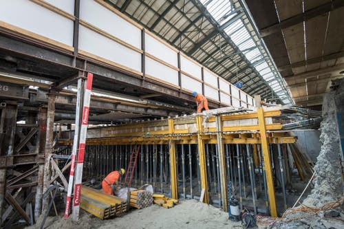 St. Gallen - Bahnhof Umbau Unterführung Ankunftshalle Bauarbeiten Bau SBB Bahn Zugverkehr (Bild: Ralph Ribi)