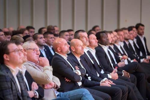 Auch die erste Mannschaft des FC St.Gallen mit Trainer Giorgio Contini war zugegen. (Bild: Urs Bucher)