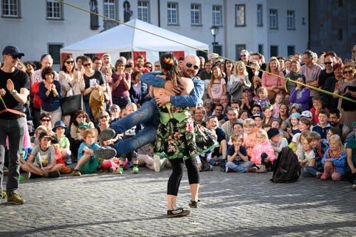 St. Gallen - Aufgetischt mit 80 Künstlern Im Bild Sara Kunz (Bild: Ralph Ribi)