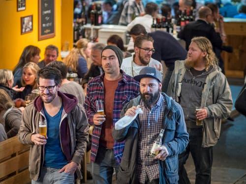Offa, Frühlings- und Trendmesse 2017, Jahrmarkt bei frostigen Temperaturen, Arena und Freigelände mit Pferdevorstellungen, Degustationshallen 4 und 5. (Bild: Hanspeter Schiess)