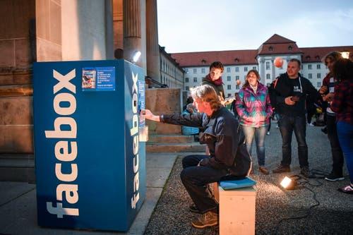 St. Gallen - Aufgetischt mit 80 Künstlern Im Bild Klein aber fein (Bild: Ralph Ribi)