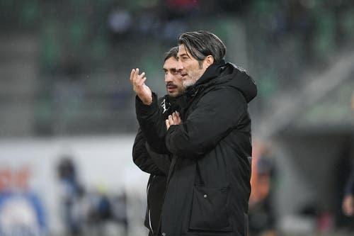 GC-Trainer Murat Yakin wirkt ratlos. (Bild: Ralph Ribi)