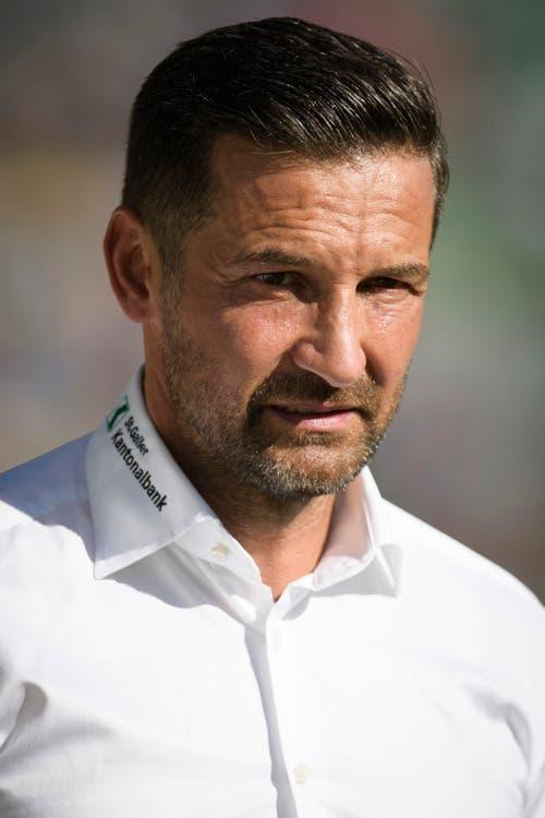 """""""Zinnbauer raus!"""", schallte es dem FCSG-Trainer nach der jüngsten Heimniederlage von den Rängen entgegen. (Bild: GIAN EHRENZELLER (KEYSTONE))"""