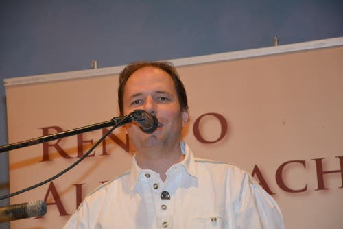 Musiker Renato Allenspach kümmerte sich darum, dass auch die Tanzfreudigen auf ihre Rechnung gekommen sind. (Bild: Beat Lanzendorfer)
