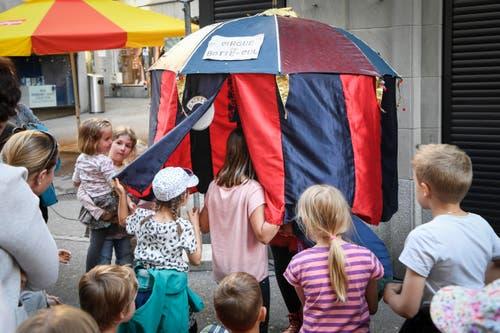 St. Gallen - Aufgetischt mit 80 KŸnstlern Im Bild Cirque du Botte- Cul (Bild: Ralph Ribi)