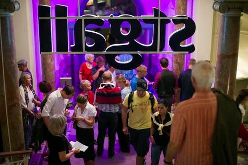 Auch die Ausstellung über die St.Galler Spitzen war gut besucht. (Bild: Michel Canonica)
