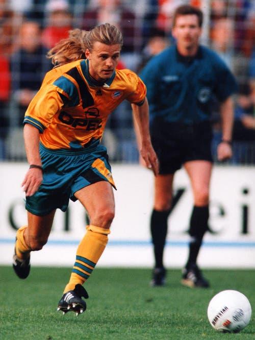 Nach der WM verpflichtete der deutsche Rekordmeister Bayern München Sutter, der 1993 von den Grasshoppers zum Bundesliga-Club Nürnberg gewechselt war. (Bild: Keystone)