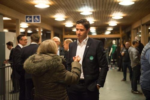 Martin Stocklasa im Gespräch nach der Generalversammlung. (Bild: Samuel Schalch)