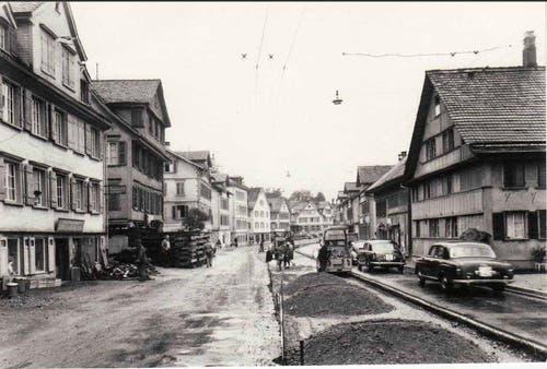 Rückbau der Trambahn an der Zürcherstrasse (1958-1960) (Bild: Stadtarchiv der Ortsbürgergemeinde St.Gallen)
