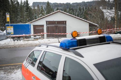Rehetobel - Schiesserei bei Hausdurchsuchung mit zwei verletzten PollizistenIm Bild Schopf bei Hirschli / Heiden (Bild: Ralph Ribi)