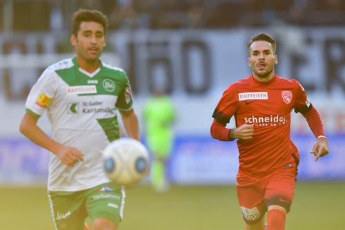 St.Gallens Karim Haggui, links, gegen Thuns Dejan Sorgic. (Bild: Keystone)