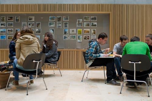 Aufenthalts- und Arbeitsräume für die Studentinnen und Studenten. (Bild: Coralie Wenger)