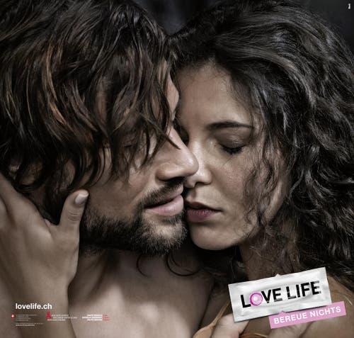 """Am 14. November 2016 lanciert das Bundesamt für Gesundheit seine neue Kampagne, die den Partnerwechsel thematisiert. Das Motto lautet: """"Partner wechselt. Safer Sex bleibt."""" (Bild: Keystone)"""