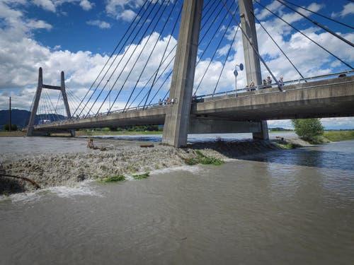 Hochwasser in Diepoldsau. (Bild: Ralph Ribi/Urs Bucher)