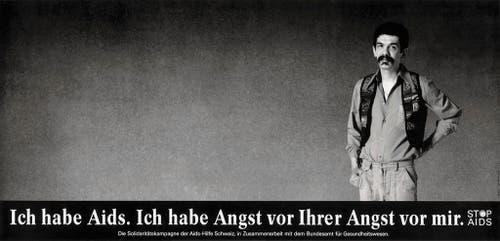 """Plakat für die """"Stop Aids""""-Kampagne vom Bundesamt für Gesundheit aus dem Jahr 1990. Gestaltet von der Basler Werbeagentur CR Basel. (Bild: Keystone)"""