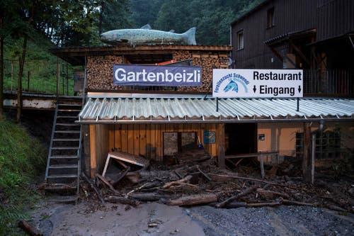 In dieser Gartenbeiz in Schwendi wird vorerst niemand mehr essen. (Bild: Keystone)