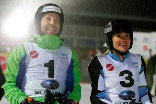 DJ Bobo und Triathletin Brigitte McMahon an einem Prominenten-Schanzen-Parallel-Slalom in Engelberg im Jahr 2012. (Bild: Keystone)