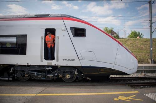 Roll-out des Giruno bei Stadler Rail in Bussnang (Bild: Urs Bucher)