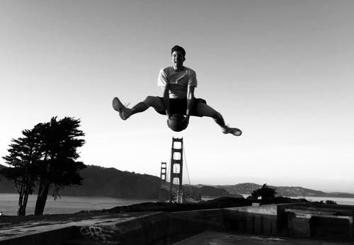 Ein Jump bei der Golden Gate Bridge. (Bild: pd)