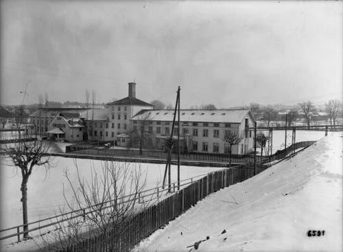 Schnee liegt in Uzwil im Februar 1930. (Bild: Bühler AG)