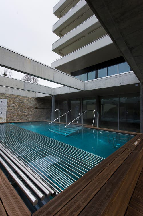 Im Kurhaus gibt es mehrere Schwimmbäder. (Bild: Michel Canonica)