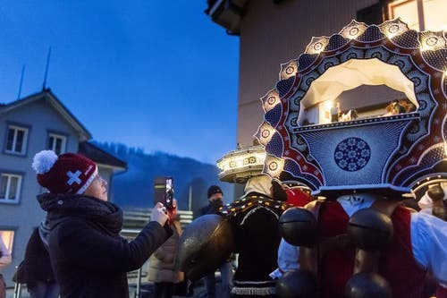 Tagblatt-Fotograf Michel Canonica war am frühen Samstagmorgen in Urnäsch beim Alten Silvester mit dabei. (Bild: Michel Canonica)